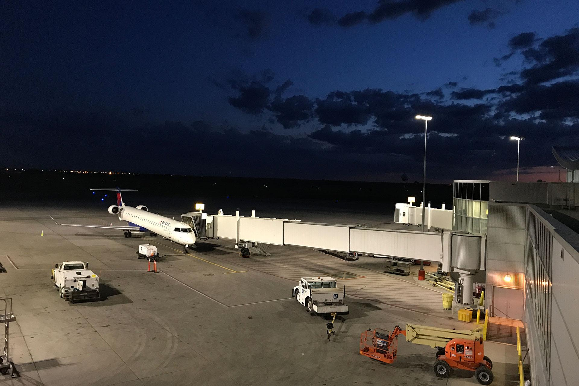 OMNIstar improves the quality of light to enhance safety for all while reducing the operating costs for Saskatoon airport